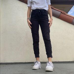 Black aritzia cargo pants.